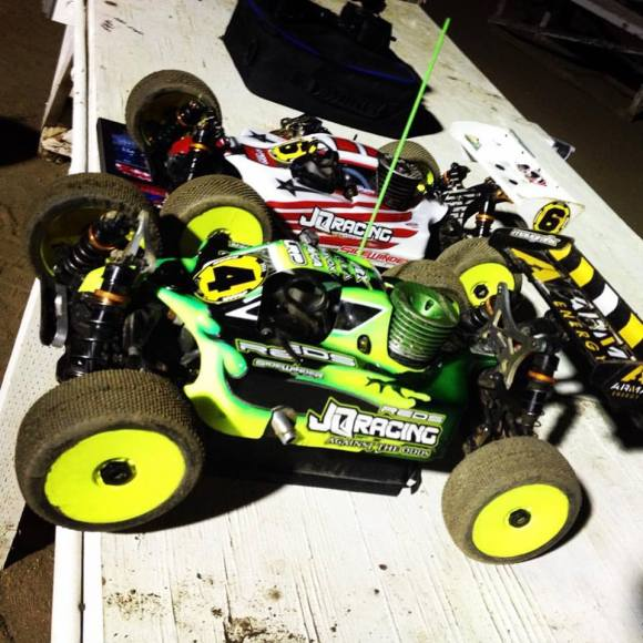 Tuesday Night Nationals at HotrodHobbies tonight. I TQed and Degani qualified. I won and Degani BLEW OOOUTTT!!!